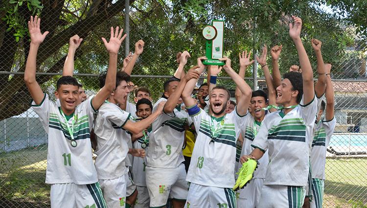 Campus Itapina foi o campeão do Futebol de Campo Masculino